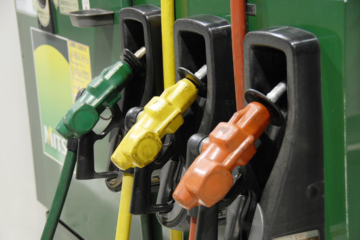 ハイブリッドやEVが増えて消費量が減ると「価格上昇」の可能性! ガソリン価格が変わる要因とは