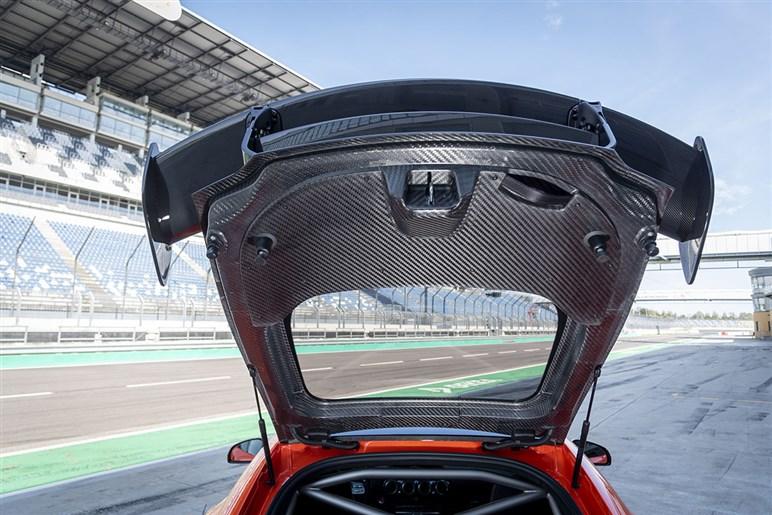 メルセデスAMGが究極のブラックシリーズとなるGT版を発売。ポルシェなら最強のGT2 RSに相当