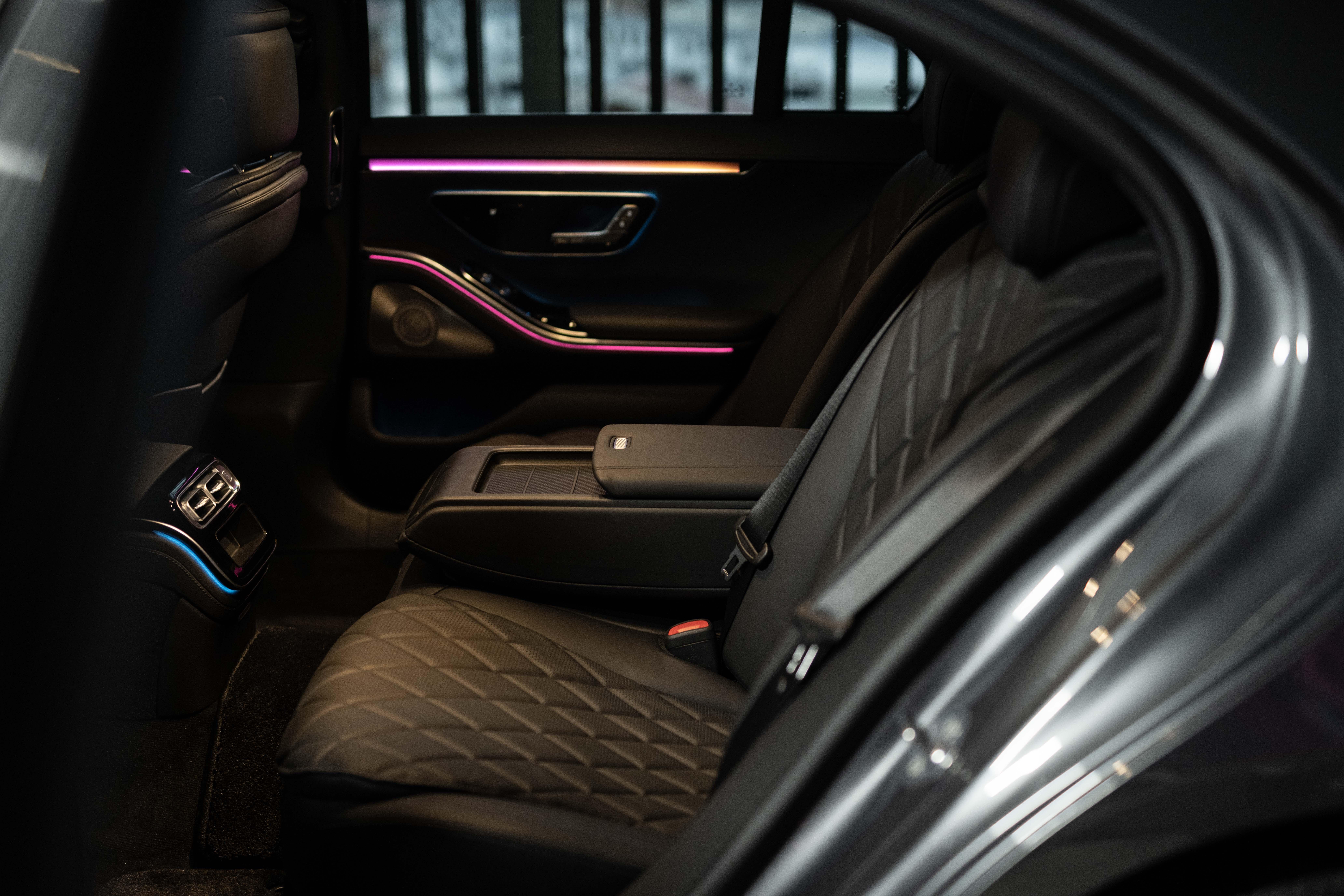 テクノロジーによる快楽の追求──新型メルセデス・ベンツS400d 4マチック試乗記