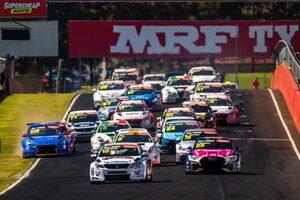 TCRオーストラリア第3戦バサーストはアウディのモスタートが席巻。破竹の週末3連勝