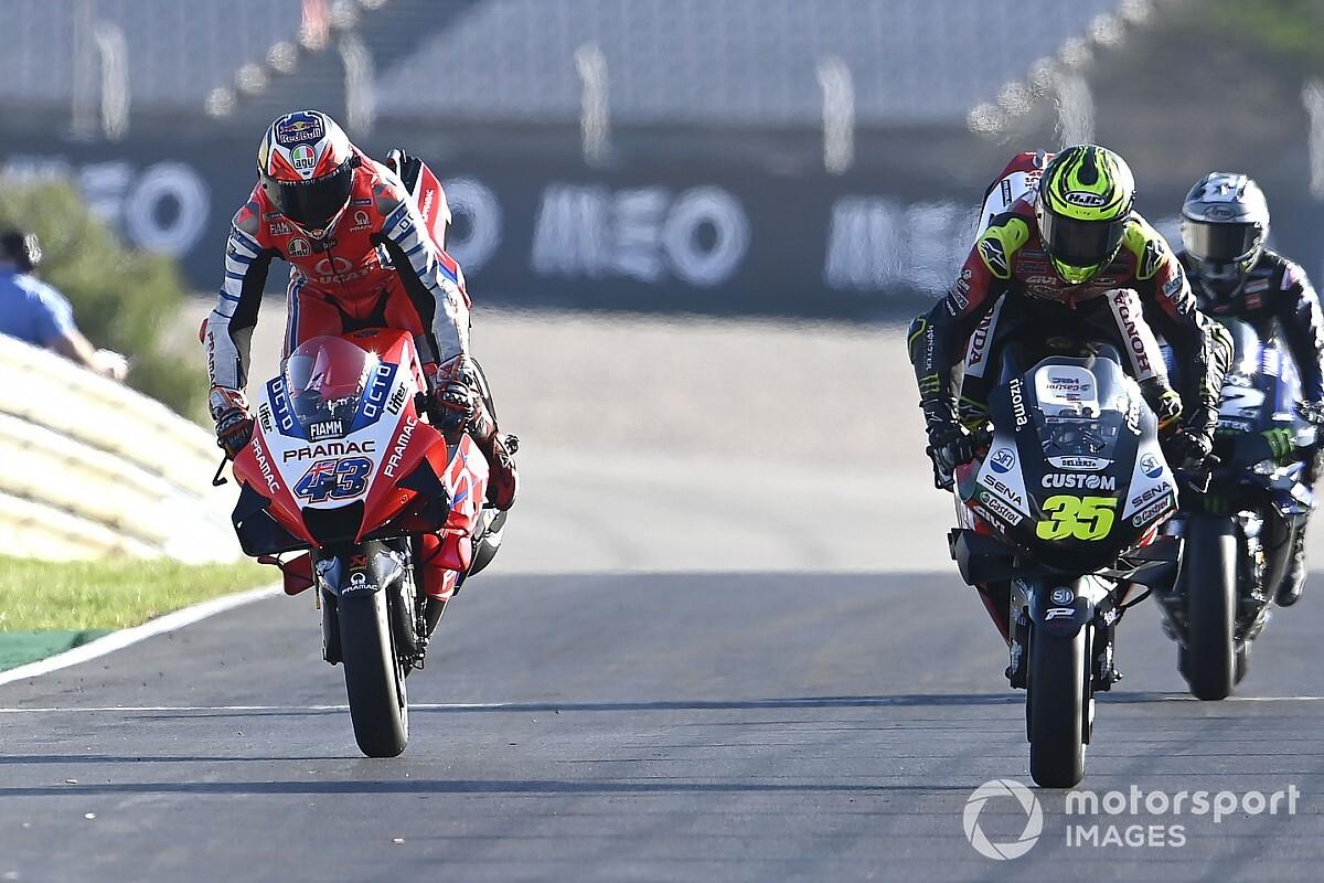 """【MotoGP】「フィニッシュできたことに満足」現役最後のレース終えたカル・クラッチロー、""""無事""""を喜ぶ"""