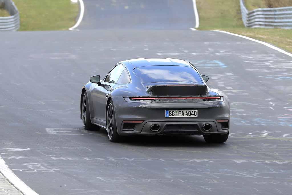 【スクープ】ポルシェ限定モデル「911スポーツクラシック」復活へ!4.0自然吸気水平対向6気筒エンジン搭載か!?