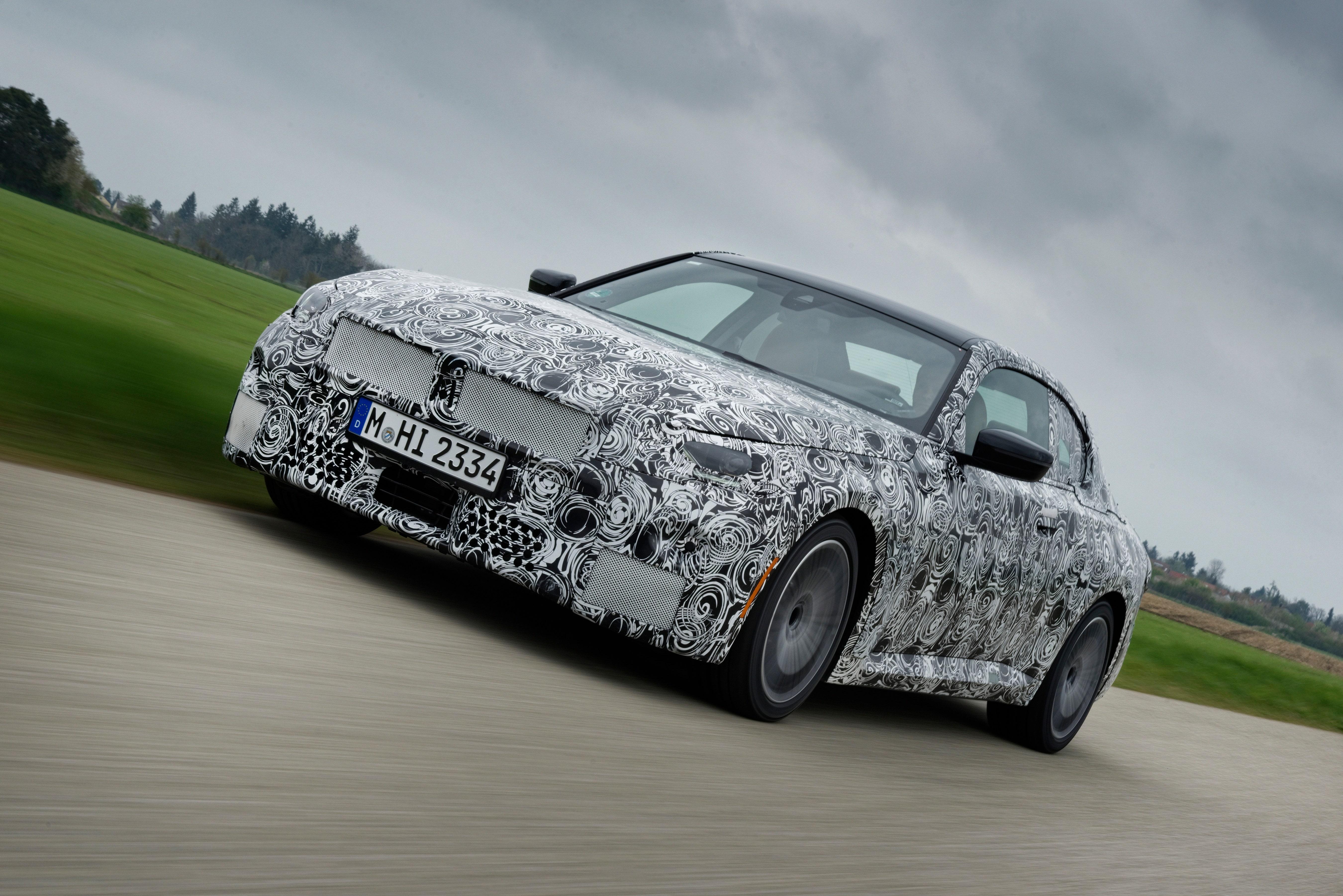 新型BMW2シリーズ・クーペは後輪駆動を継承する!