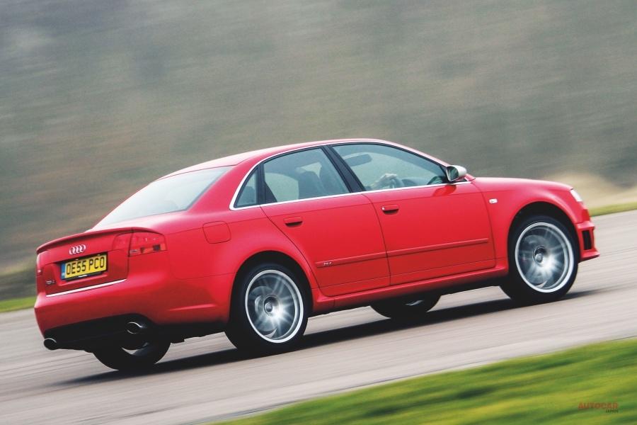 【420psのアウトバーン級を楽しむ】アウディRS4(B7) 英国版中古車ガイド