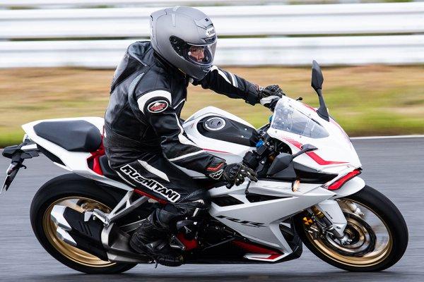 バイクは70歳から! 生きていることを実感するために走る、元内科医