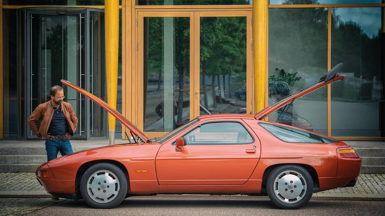 あるドイツ人ジャーナリストが再会した、ヘルムート・ボットの特別な「ポルシェ 928 S4」