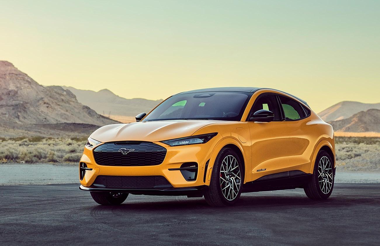 フォードが電動SUVのマスタング マッハEの高性能版発表。0-100加速は3秒台