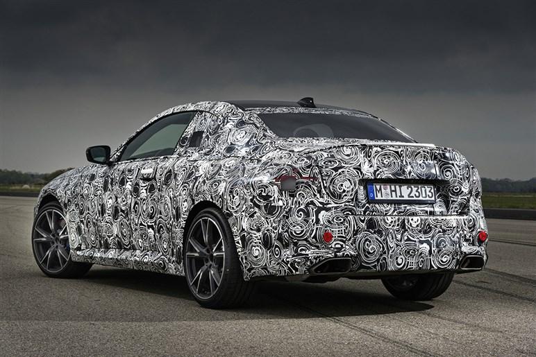 速報! この秋登場する次期BMW 2シリーズクーペに先行試乗した。受け継がれたFRの走りの評価やグリルデザイン、予想価格は?
