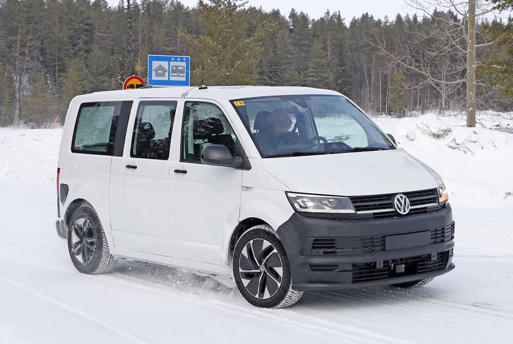 【スクープ】VW 「ID.BUZZ」市販型はブランド史上初のフルエレクトリックモデルへ、最新プロトをキャッチ!