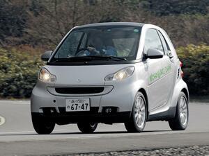 【試乗】スマートフォーツーmhdは、実は「ハイブリッドカー」ではなかった【10年ひと昔の新車】