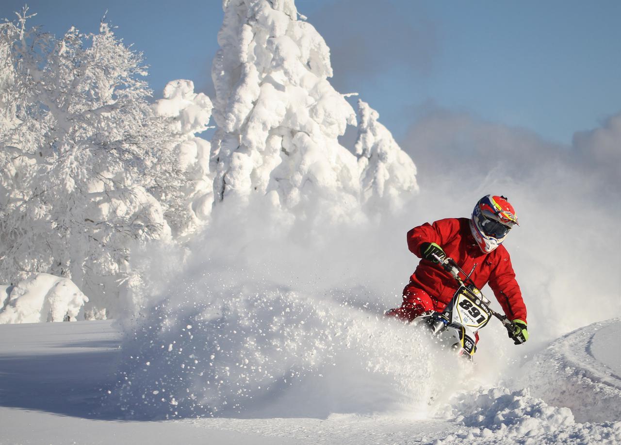 今冬こそスノーバイク体験「ライダーだけの特別プラン」の提案