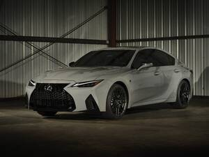 600万円ちょっとで5.0リッターV8セダンが手に入るぞ! 新型レクサスIS500 Fスポーツ・パフォーマンス登場