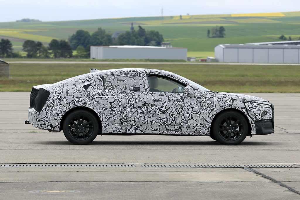 【スクープ】車名はどうなる!? 欧州向けフォード モンデオ/フュージョン後継モデル開発車両を初スクープ!