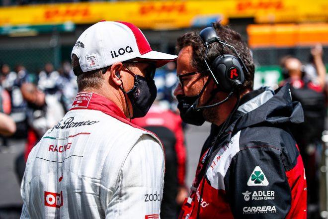 ライコネン「スリップの中で距離を読み誤って追突した。申し訳ない」:アルファロメオ F1第3戦決勝