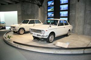 「AE86」はじめ名車揃い! ニッポンを支えた立役者「歴代カローラ」の歩み
