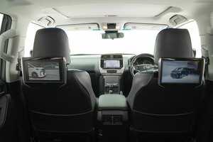 〈トヨタ・ランドクルーザープラド〉上質&先進装備により快適性も安全性もアップ|カスタム