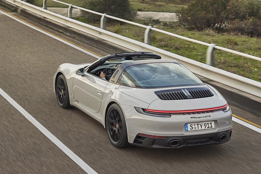 ポルシェの新型「911カレラGTS」予約受注を開始