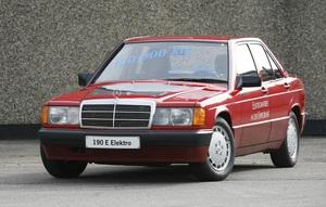 これが「EQシリーズ」のルーツ? 「メルセデス・ベンツ190」のピュアEVが30周年