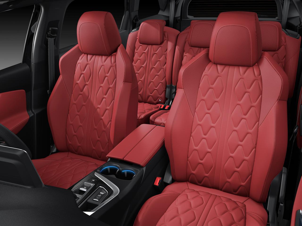 3列シートSUV、プジョー 5008にレッドナッパレザーシートの特別仕様「GT BlueHDi レッドナッパ」追加