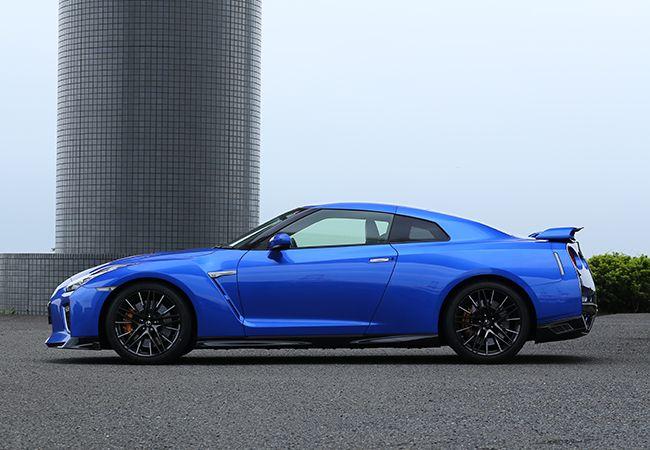 「こだわりのエンジン車」日本が誇るスーパースポーツ。日産GT-Rの進化するパフォーマンス