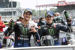 MotoGP第5戦フランスGP:天候に翻弄された予選日、クアルタラロが3戦連続のポール獲得。ヤマハ勢がワン・ツー占める