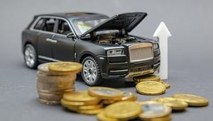 ドライバーがマイカーにかかる経費で負担に感じるものTOP3、3位ガソリン代・燃料代、2位車検・点検費、1位は?