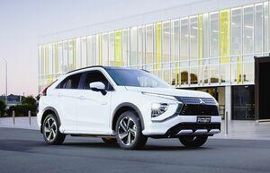三菱自動車、「エクリプスクロスPHEV」 海外で発売へ