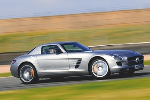 【571psにガルウイング】メルセデス・ベンツSLS AMG 英国版中古車ガイド 価格は上昇中