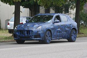【重要な小型SUV】マセラティ・グレカーレ 最新プロトタイプ発見 デザインにレヴァンテの影響も