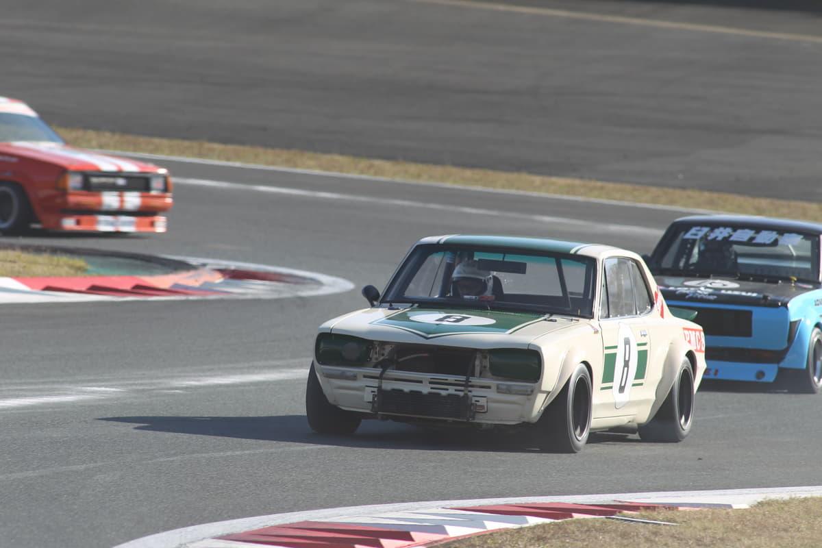 日産を代表する「GT-R」「 フェアレディZ」! 50周年記念車の「カラーリング」に込められた「熱き想い」とは
