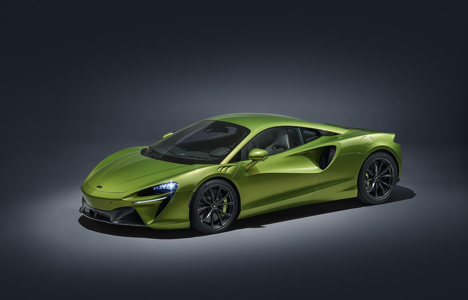 680ps/720Nmの強力パワーで燃費約18km/Lも両立するマクラーレンの新型HV「アルトゥーラ」発表