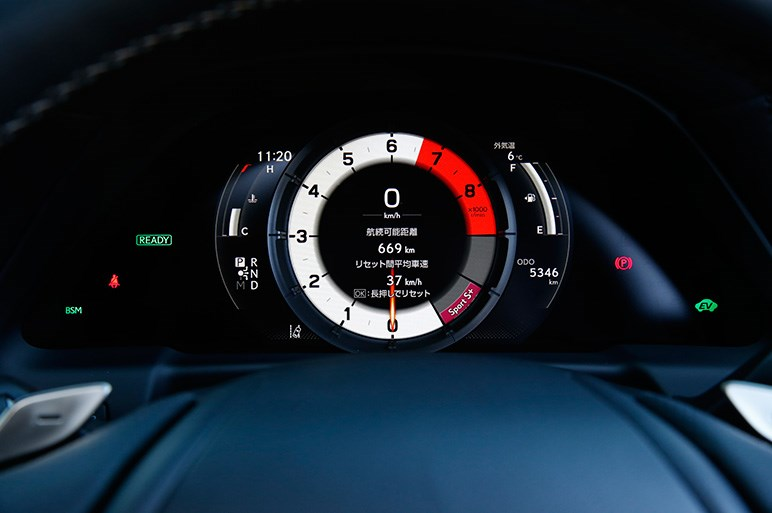 レクサスLSの評価は、走りと快適性のどちらを取るかで決まるだろう