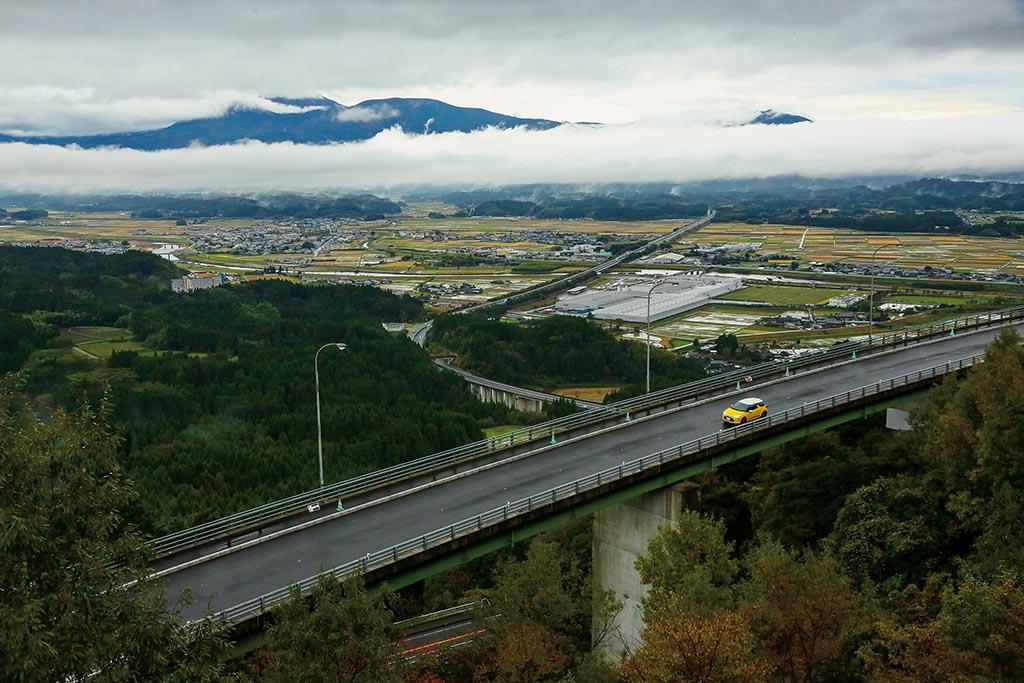 眺望抜群のループ橋から眼下の雲海を一望にする(宮崎県 雲海トンネル)【雲海ドライブ&スポット Spot 89】