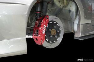 「ER34スカイライン専用開発のビッグキャリパーキット登場」ドレスアップにも最適なレッドボディ仕様!