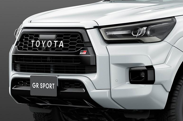 """トヨタ ハイラックスが一部改良。新たに追加されたZ""""GR SPORT""""は431万2000円"""