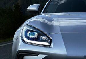 第2世代の新型SUBARU BRZが先行画像を公開。正式発表は11月18日と予告