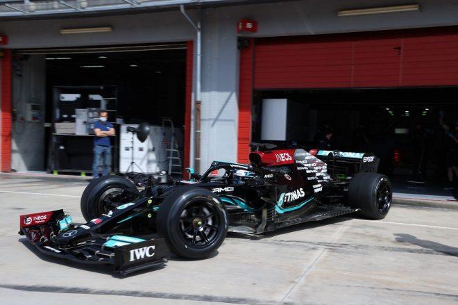 メルセデスのボッタスが2022年用18インチF1タイヤのテスト。イモラで106周を走行