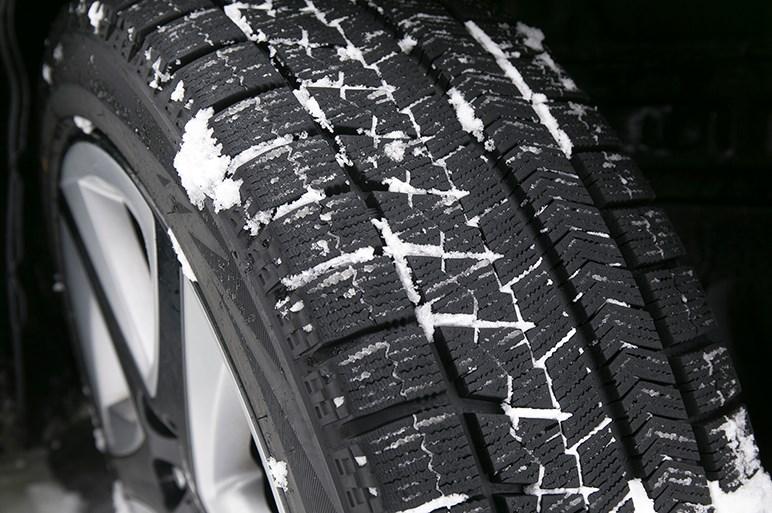 プリウス4WDモデル・E-Fourで雪上ロングドライブテスト