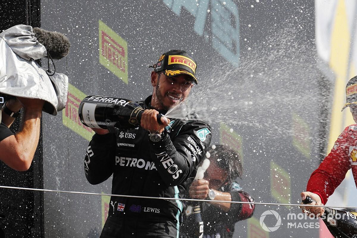 メルセデス代表「ハミルトンはアンフェアなドライバーではない」レッドブルの批判に反論