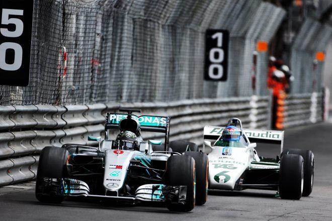 F1 Topic:ロズベルグ親子がランデブー走行。それぞれのチャンピオンマシンをドライブ
