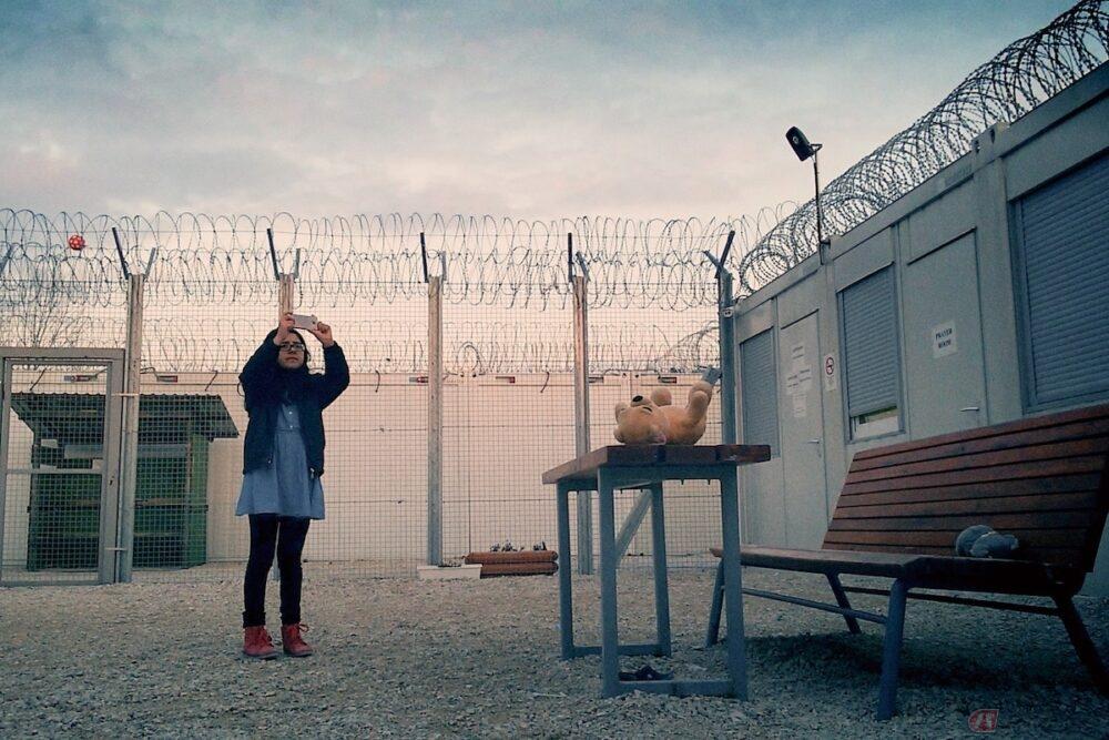 アフガニスタンで何が起こっているのか? 命がけのセルフドキュメンタリー『ミッドナイト・トラベラー』