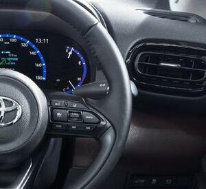 トヨタはなぜワンタッチウインカーを採用してこなかったのか…3秒ルールを守るのはトヨタだけ?