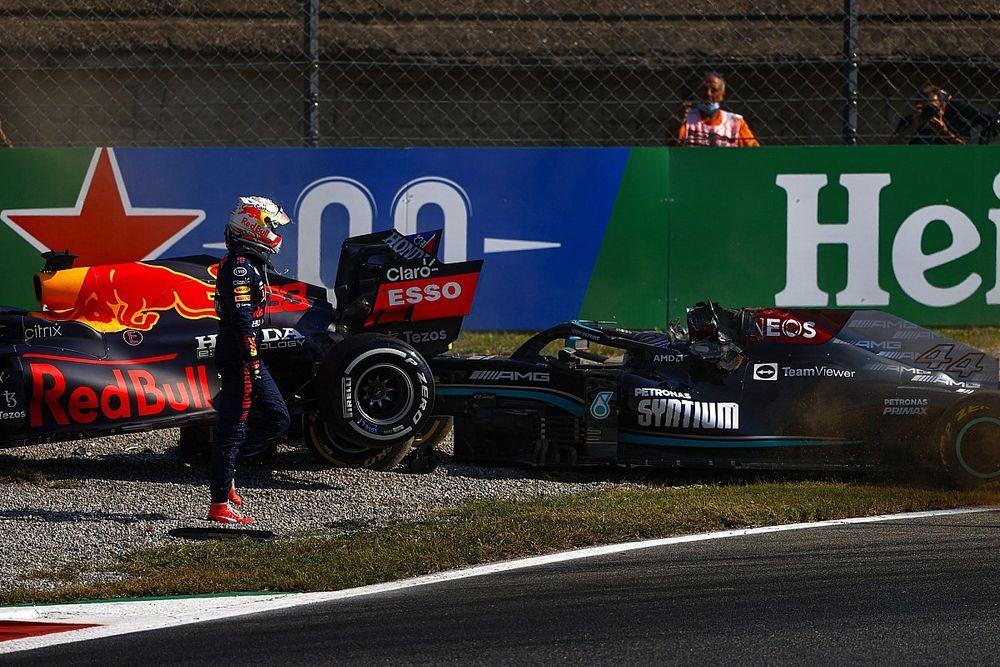 """「フェルスタッペンがハミルトンに並んだ瞬間は一度もなかった」F1イタリアGPスチュワードが""""相討ち""""裁定理由を説明"""