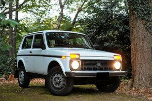 """40年不変""""荒野のベーシックカー""""乗り味は ロシアSUV「ラーダ・ニーヴァ」いよいよ変化へ"""