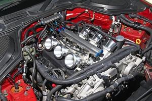「Z33が超ハイレスポンス仕様に大変身!」VQ35DEエンジンを覚醒させる6連スロットルの魔力