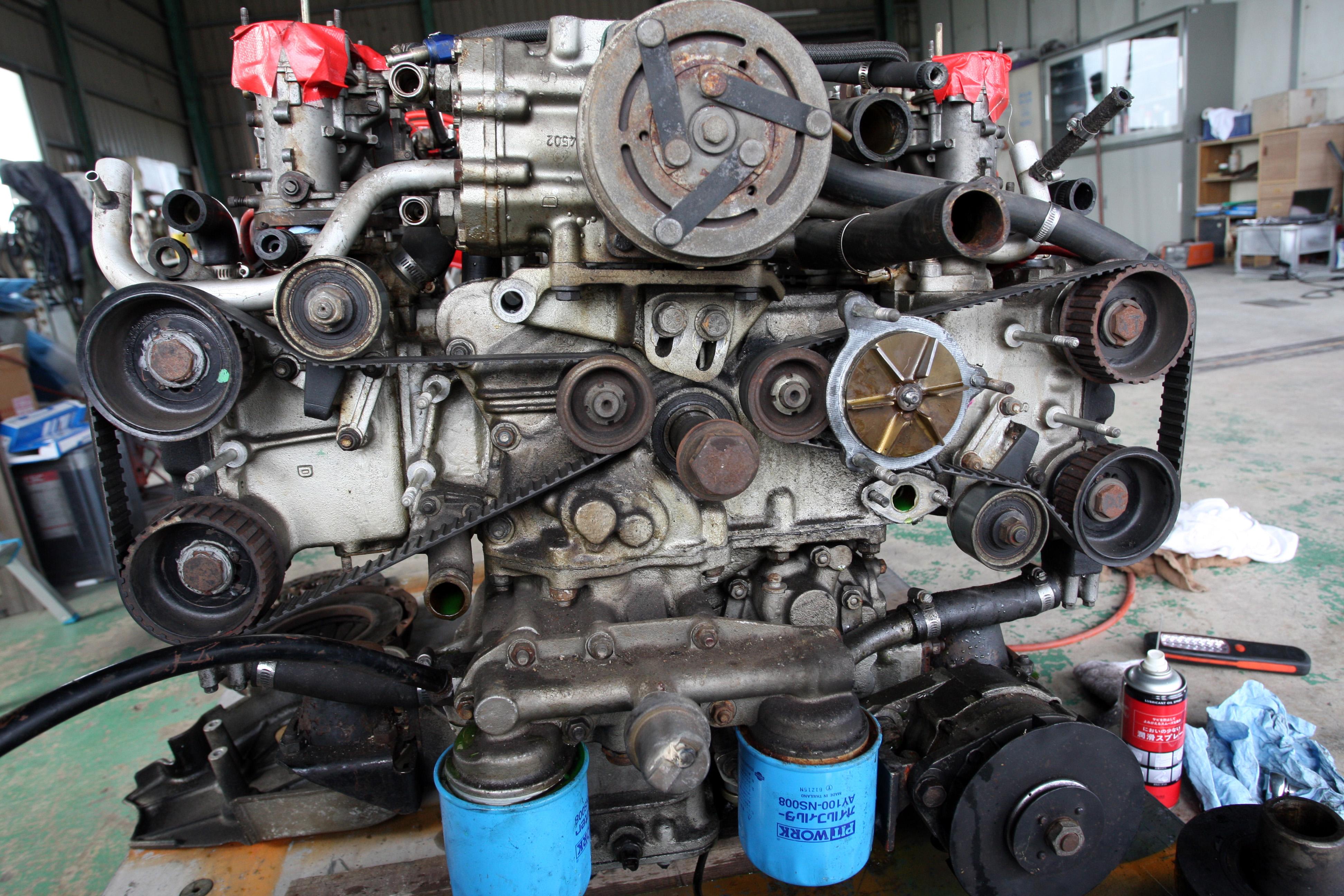 旧車のレストアについて考える[part7:フェラーリ365GT4/BBの12気筒エンジンを降ろす]