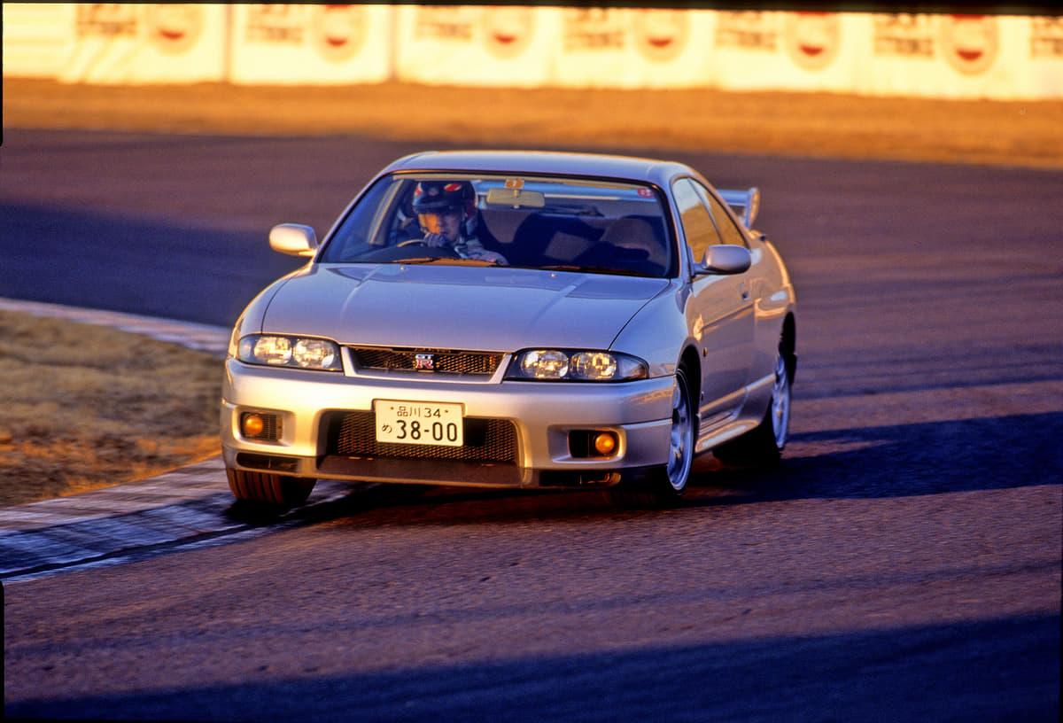 怒涛の600馬力! 「目が追いつかない」性能! 筑波最速「GT-R NISMO」20年モデルが速すぎた