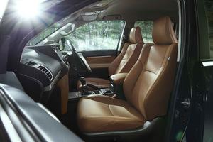 トヨタ ランドクルーザープラドを一部改良 特別仕様車も設定