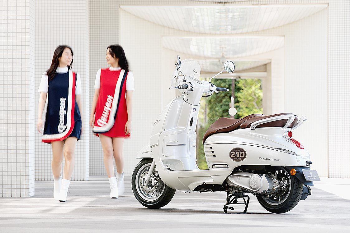 アイディア、プジョー創業210周年記念の限定モデル「ジャンゴ125クラシックABS」受注開始 プジョー初のスクーター「S55」モチーフに