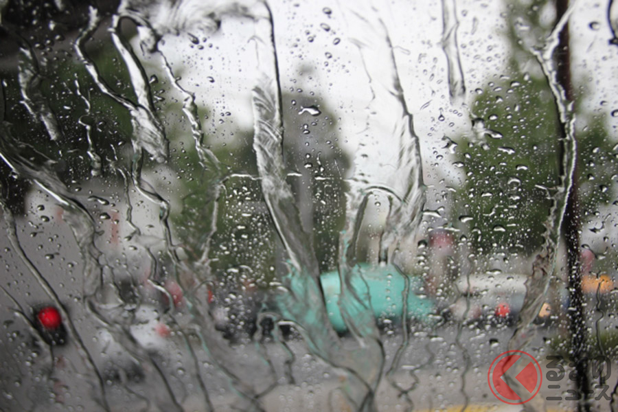 マツダが7月の豪雨災害復興を支援! 純正「車中泊セット」を提供